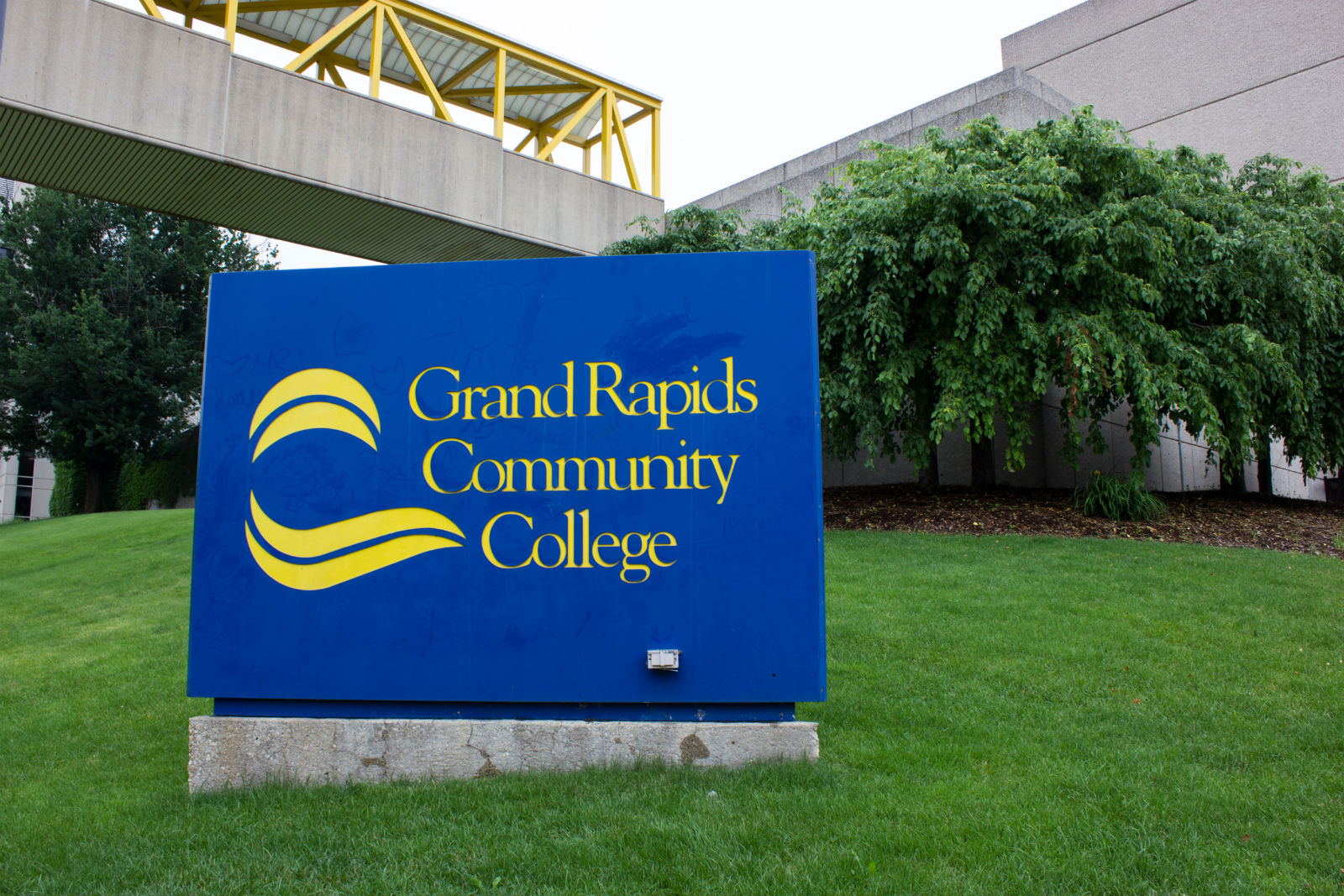 grand rapids mi college Grand valley state university blackboard banner student email library search people & pages search suggestions people finder people finder submit.